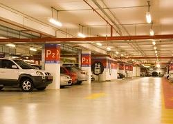 Parkirni prostori v garaži ali na prostem?