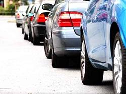 Vai ir nepieciešams rezervēt autostāvvietas vietu iepriekš?