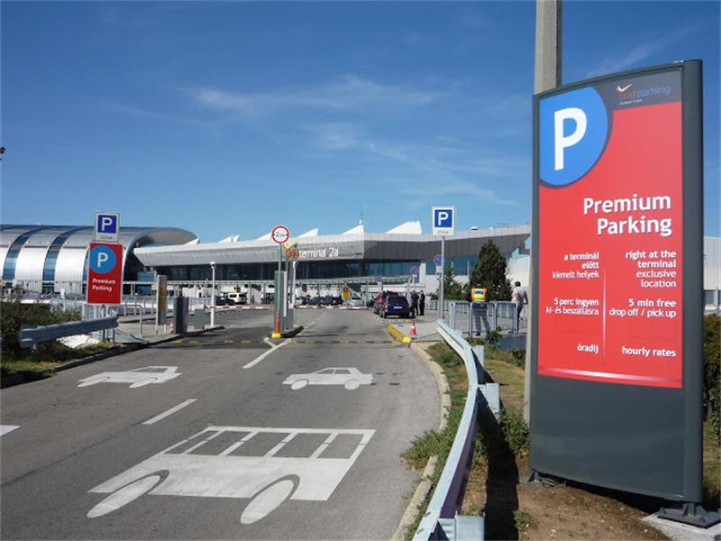 You can't get closer at Budapest Airport with ParkCloud
